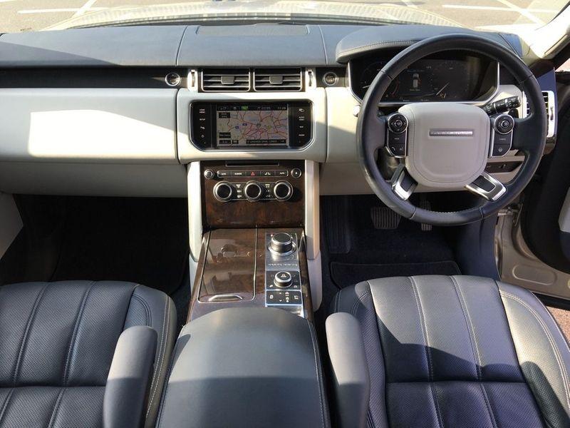 Land Rover Range Rover 4.4 SD V8 Vogue SE 5dr