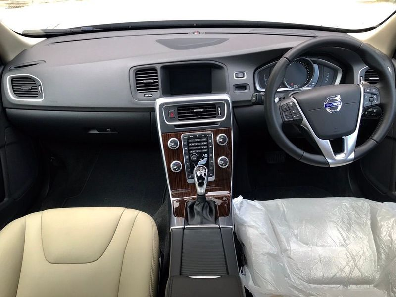 Volvo V60 2.0 D4 SE Lux Nav Geartronic (s/s) 5dr